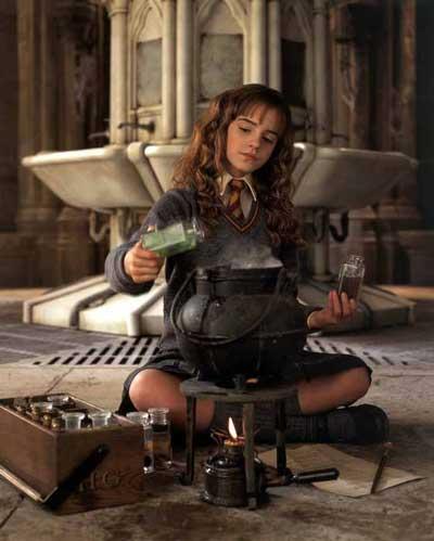 http://www.twwn.net/Movie%20Pictures/HP2hermione_potion.jpg